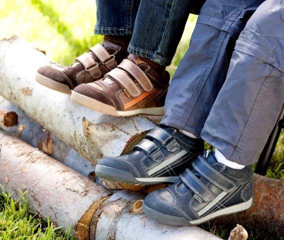 4b120d460273 ... kényelmes és anatómiailag is megbízható felépítésű cipőkről! A pediped™  Flex tökéletesen szolgálja a nagyobb gyerekeket – és így persze a szülőket  is, ...