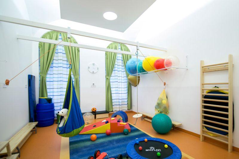 d1102fabc3 Ezen kívül a gyerekek egészségének megóvása érdekében sószobákat  alakítottak ki számos belvárosi óvodában és teljesen megújult a Szemere  utcai Iskola.